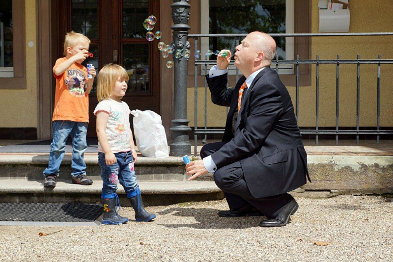 Michael Theurer mit Kindern