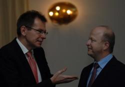 Michael Theurer im Austausch mit Prof. Adalbert Winkler © Andreas Ellinger